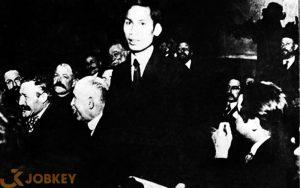 Nguyễn Ái Quốc tại Đại hội toàn quốc Đảng Xã hội Pháp ở thành phố Tours (Pháp) năm 1920